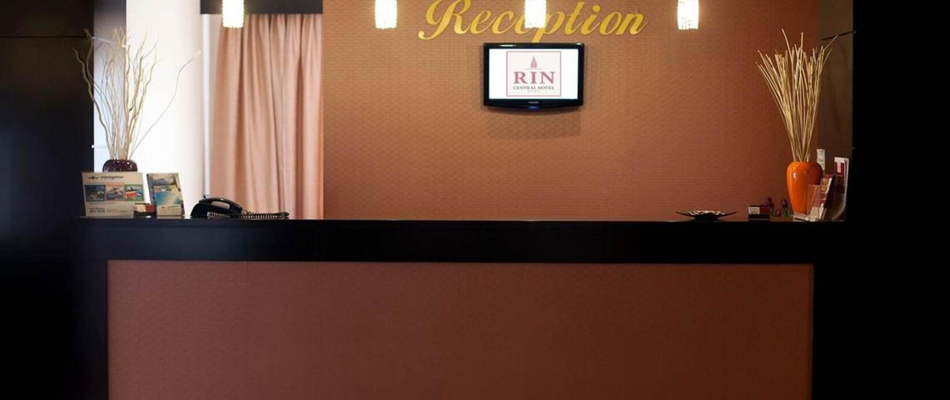 RIN Central Hotel
