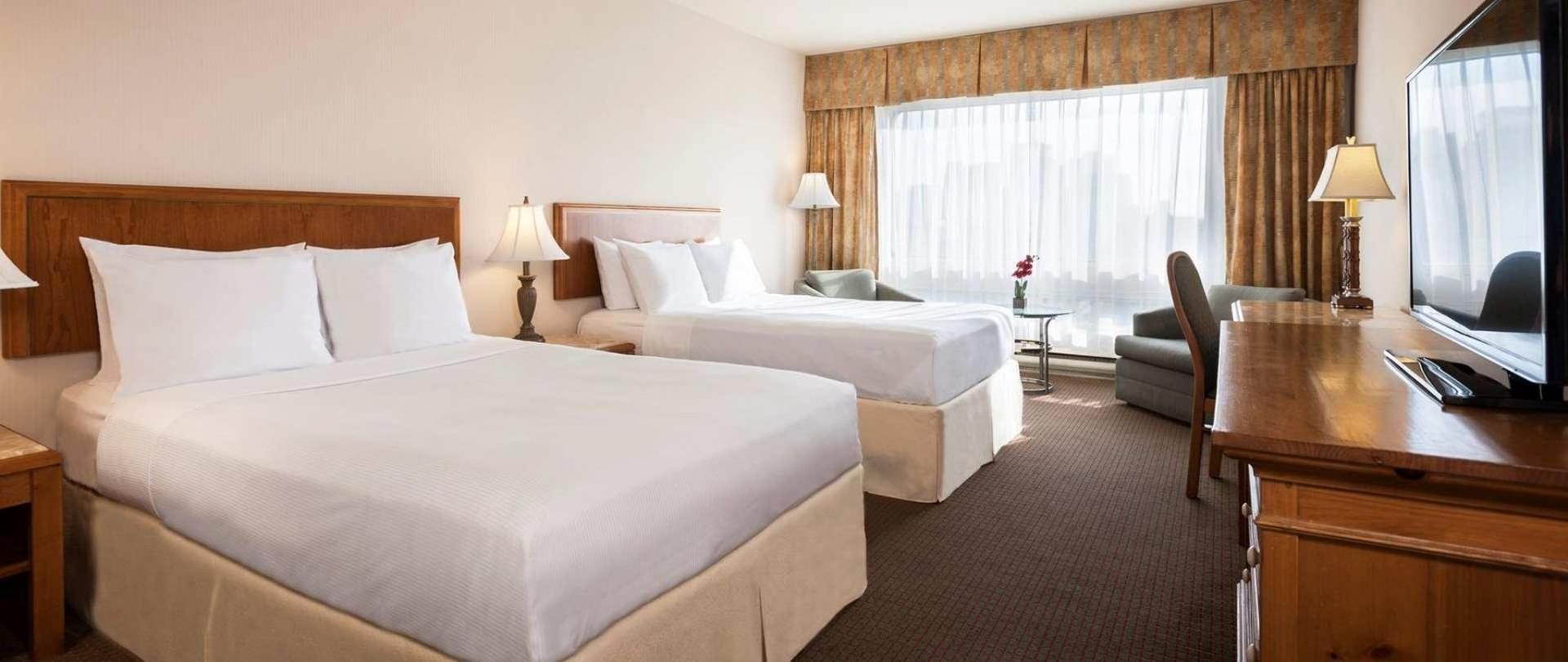 hotels_gouverneur_montreal_04_chambre-reguliere_double.jpg.1920x810_129_417_10960.jpeg
