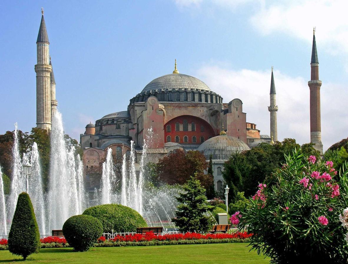 turkey-3019_-_hagia_sophia_-2216460729.jpg