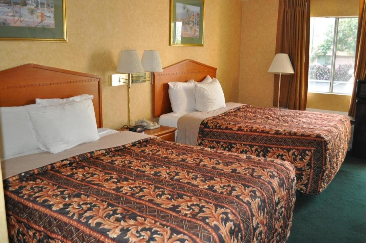Queen Room with Two Queen Beds1
