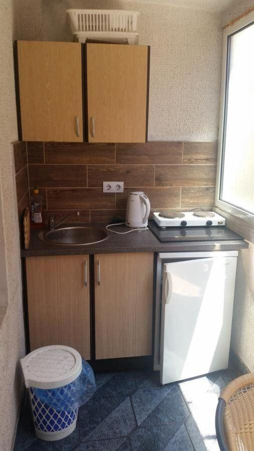 Kitchenette-Double or Triple Room with Balcony