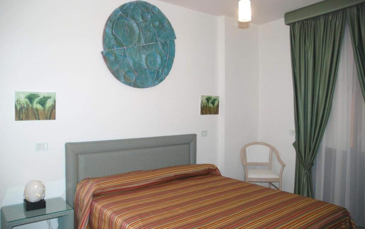 Rooms1
