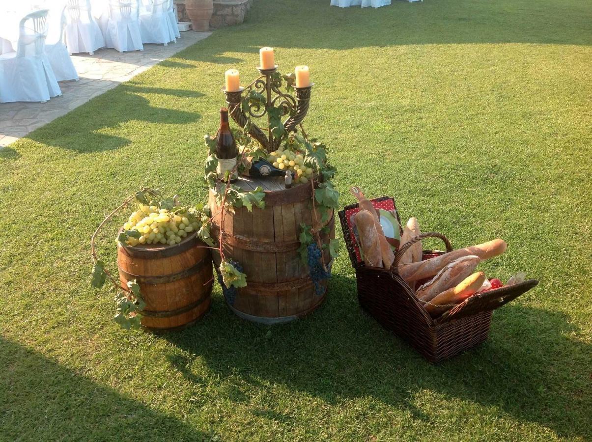 Wine Barrel Picnik