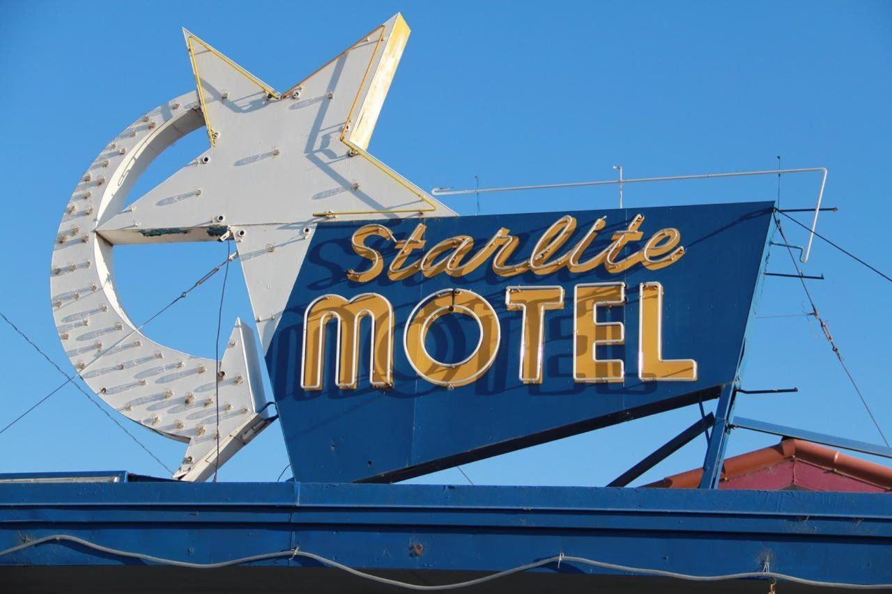 Starlite Motel neon sign