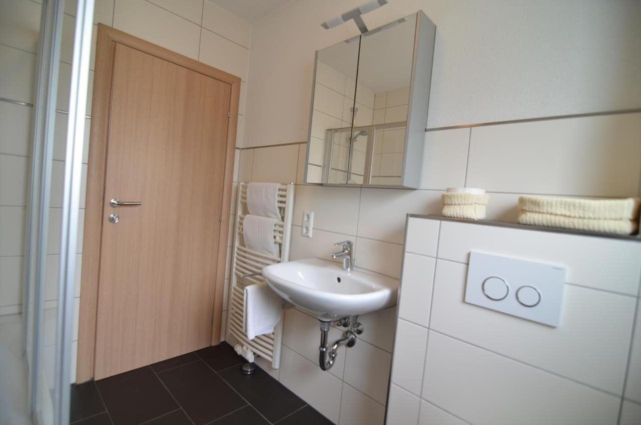 One-Bedroom Apartment3