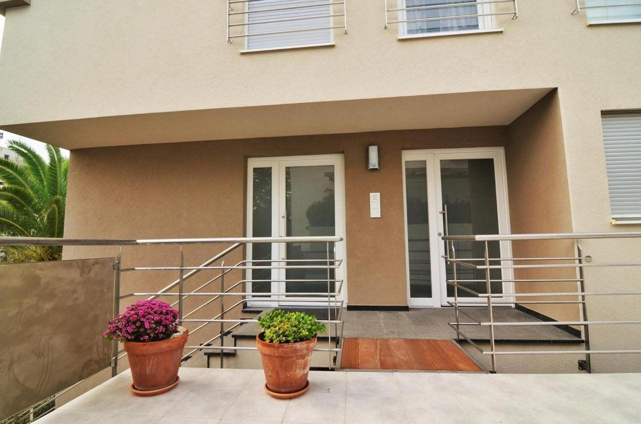 One-Bedroom Apartment7