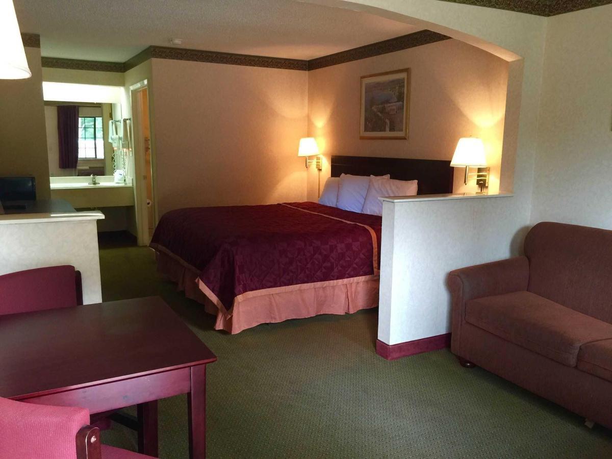 king-suite.jpg