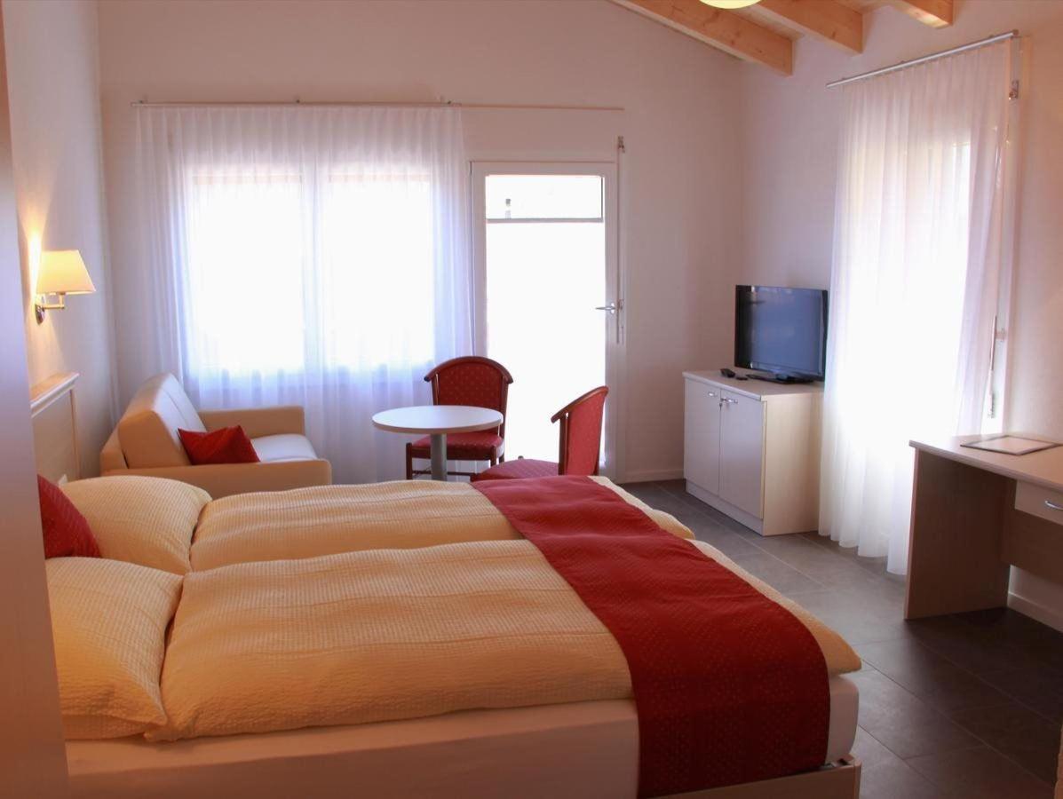 Rooms4.jpg