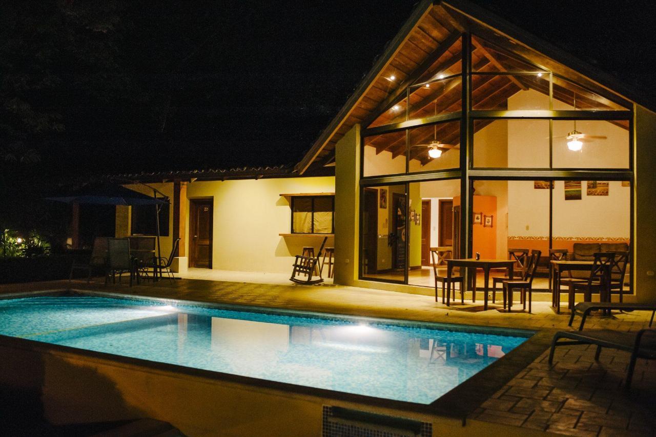 别墅带私人泳池和按摩浴缸1