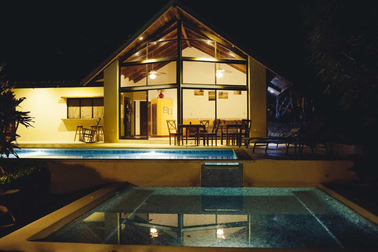 别墅带私人泳池和按摩浴缸3