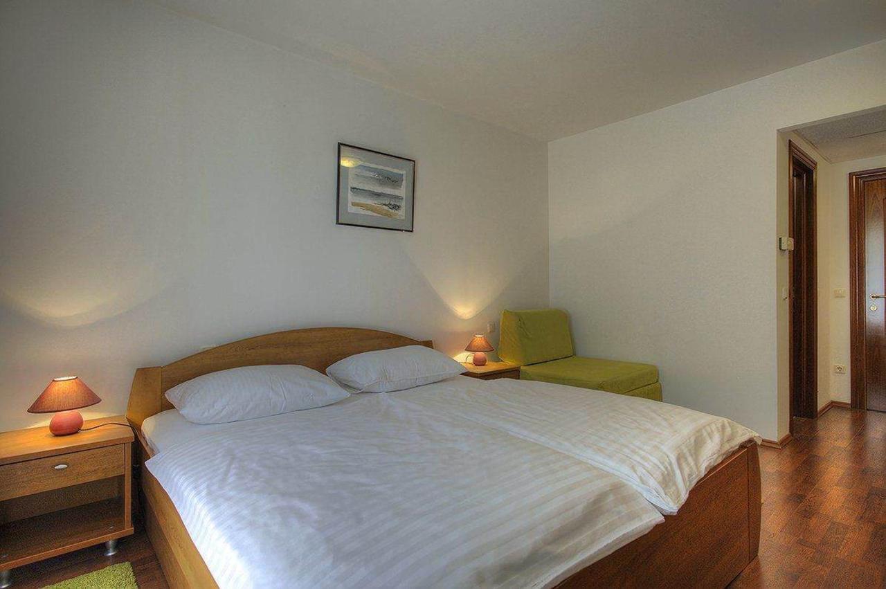 soba-1-krevet.jpg