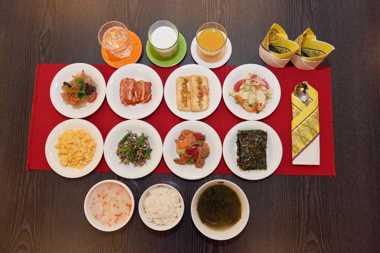 Breakfast in Busan.jpg