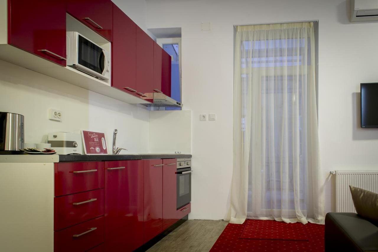 Apartment with Balcony3