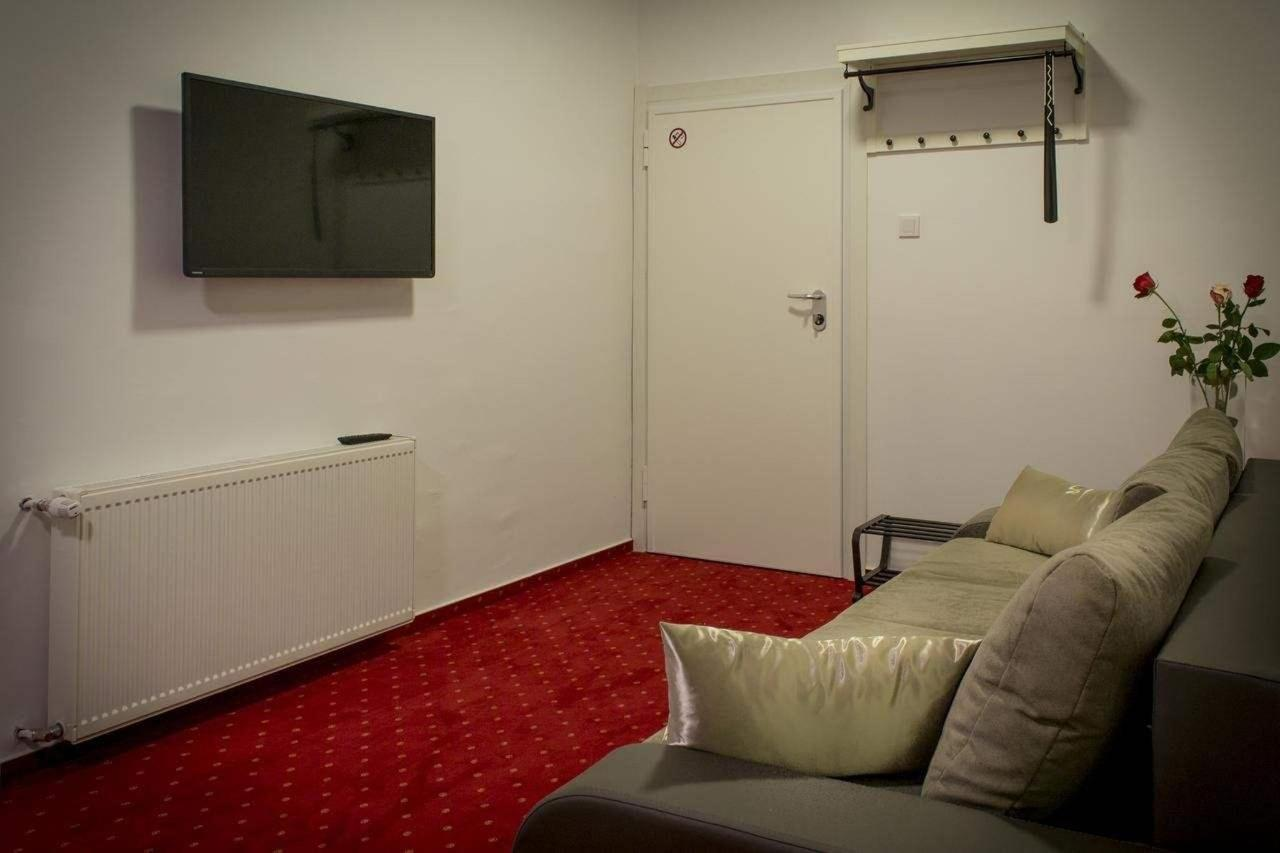 Apartment with Balcony1