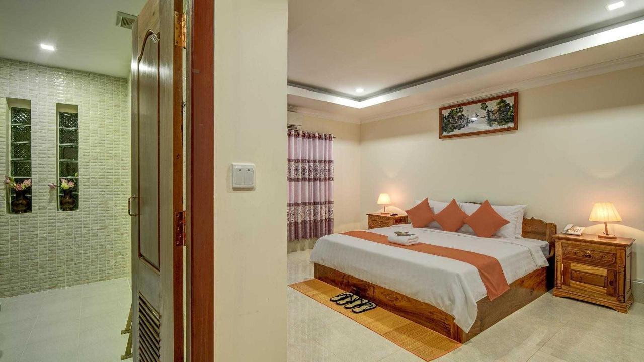 Double Bed Room.jpg
