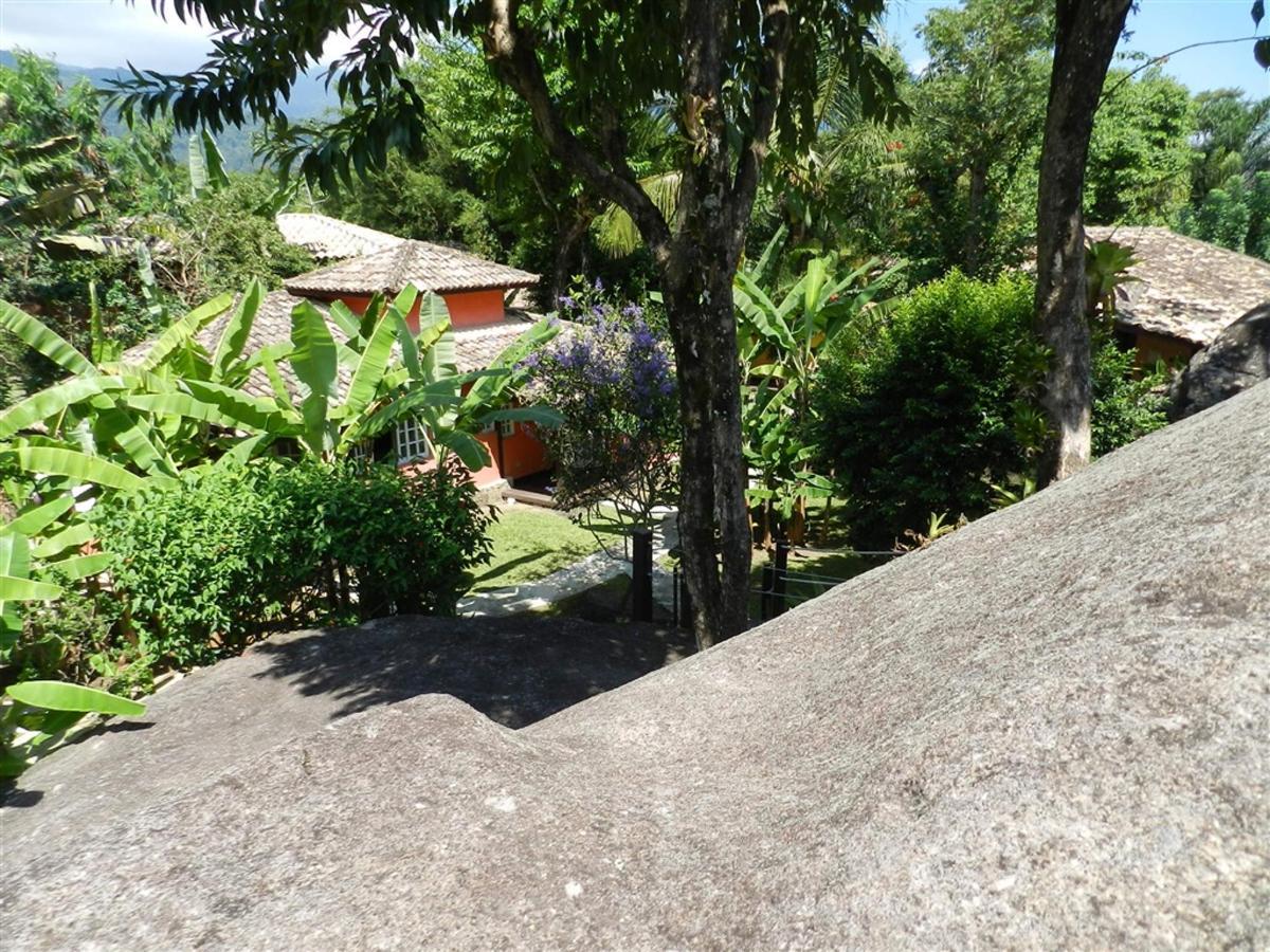 Piedras y jardines del pueblo (1) .jpg