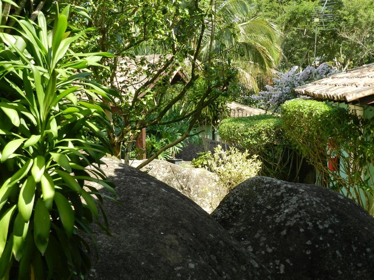 Piedras y jardines del pueblo (13) .jpg