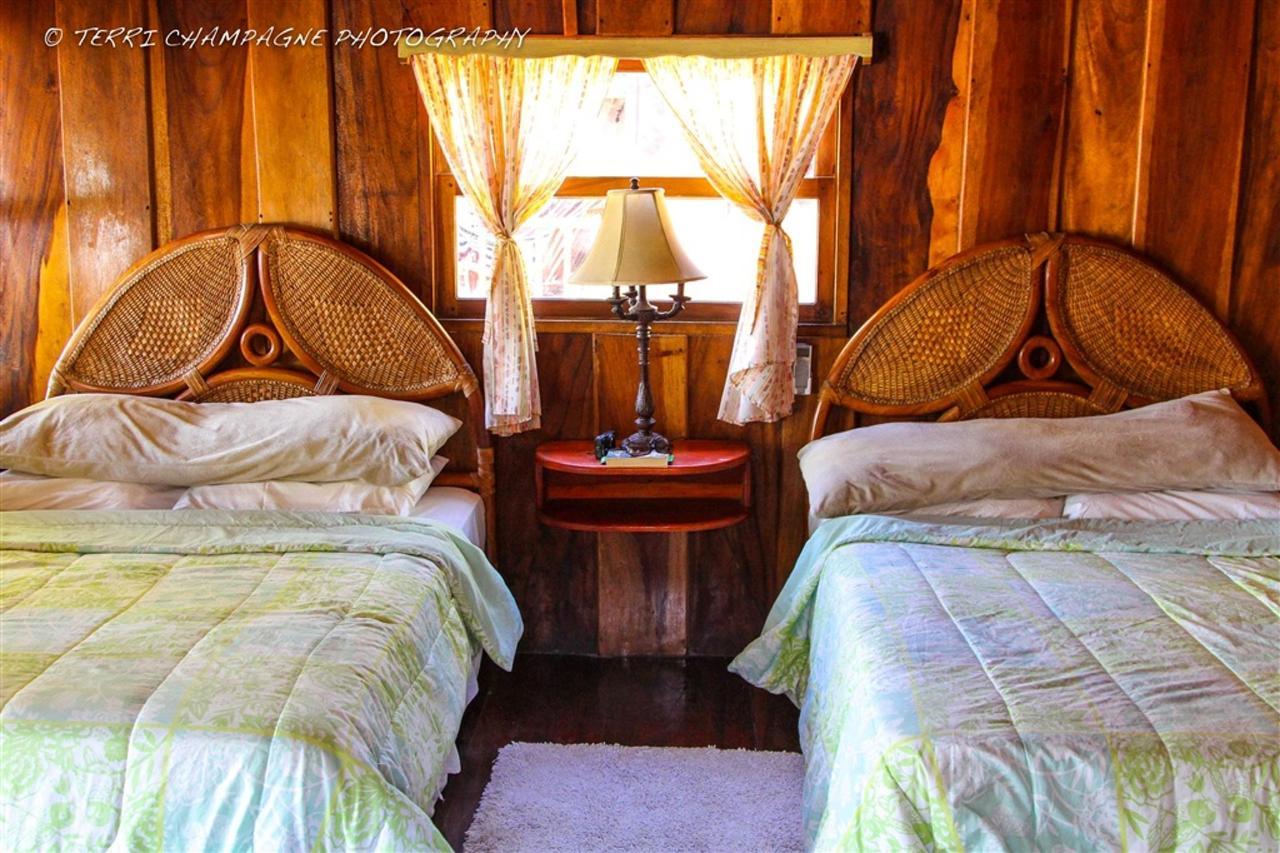 cabana-2-beds.jpg.1024x0.jpg