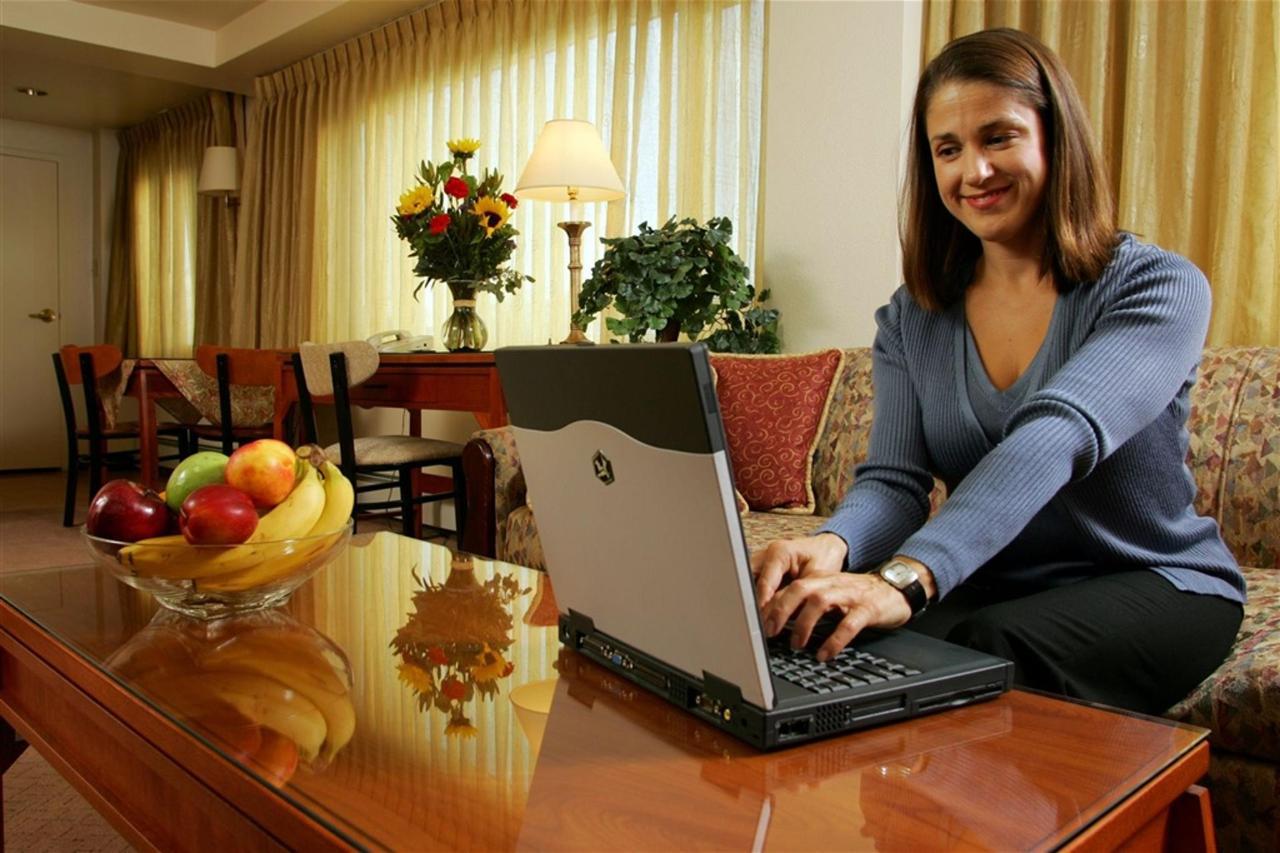 aprilpowers-hotel-007.jpg.1024x0.jpg