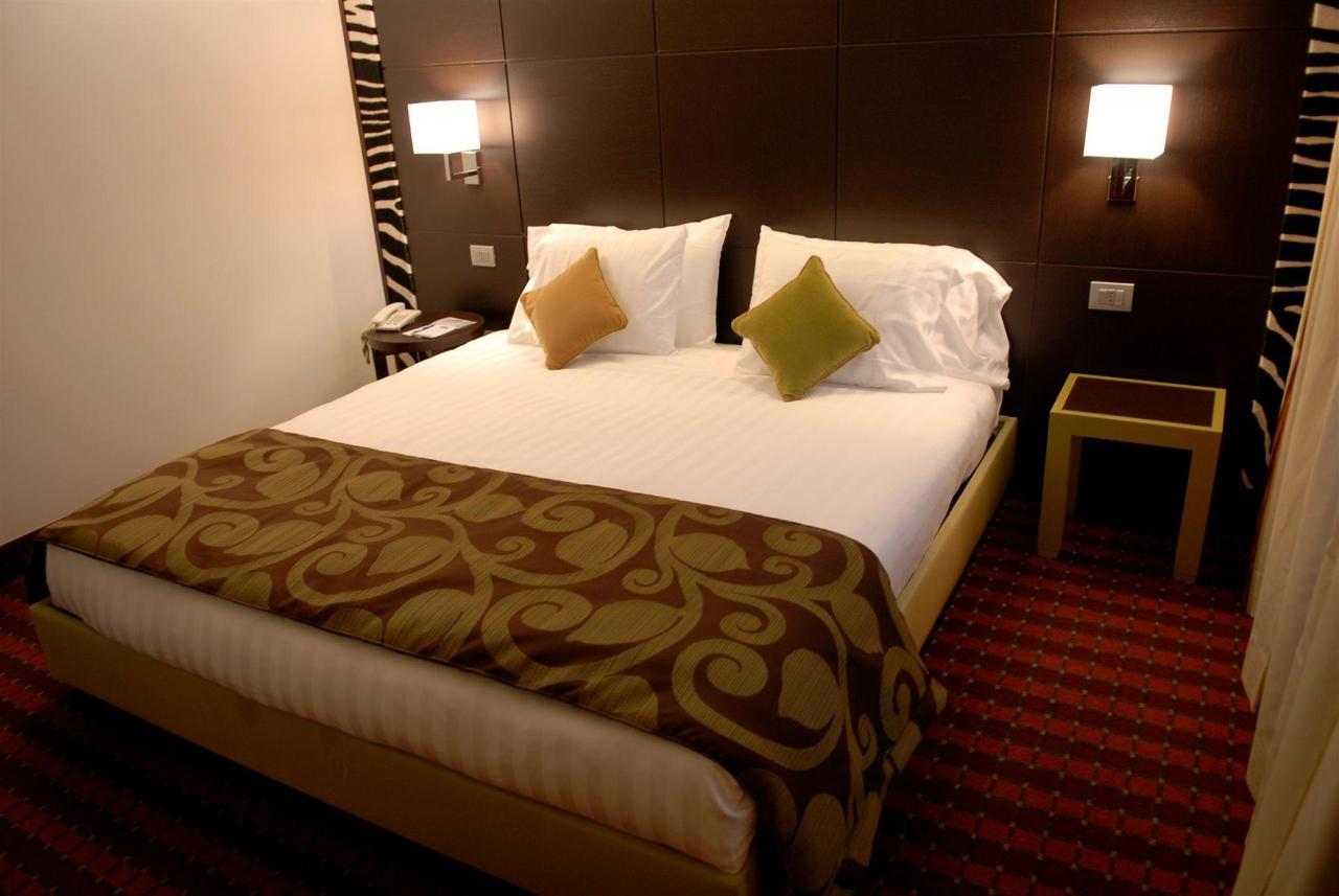 first-hotel-milano-malpensa03-executive-queen-1.JPG