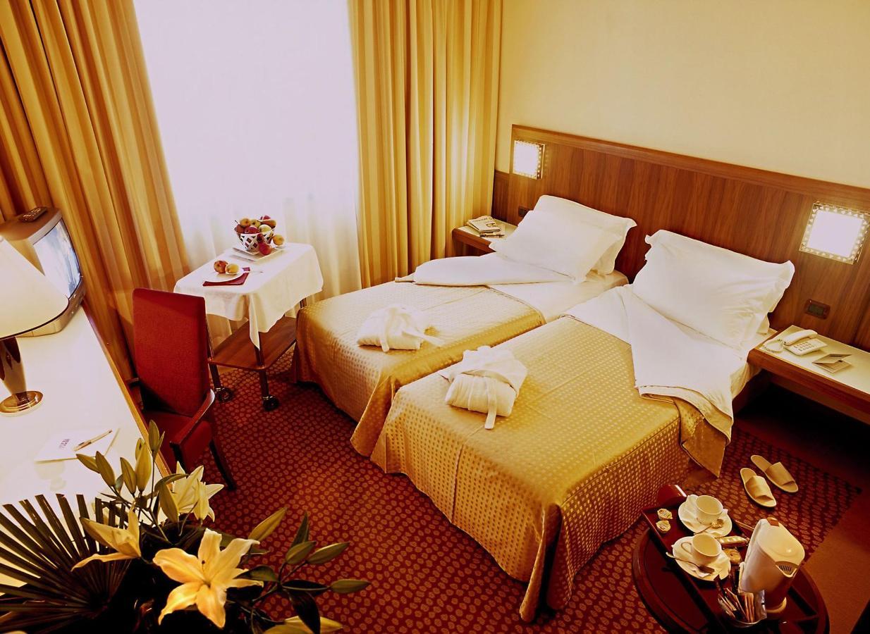 first-hotel-milano-malpensa14-confort-tween.jpg