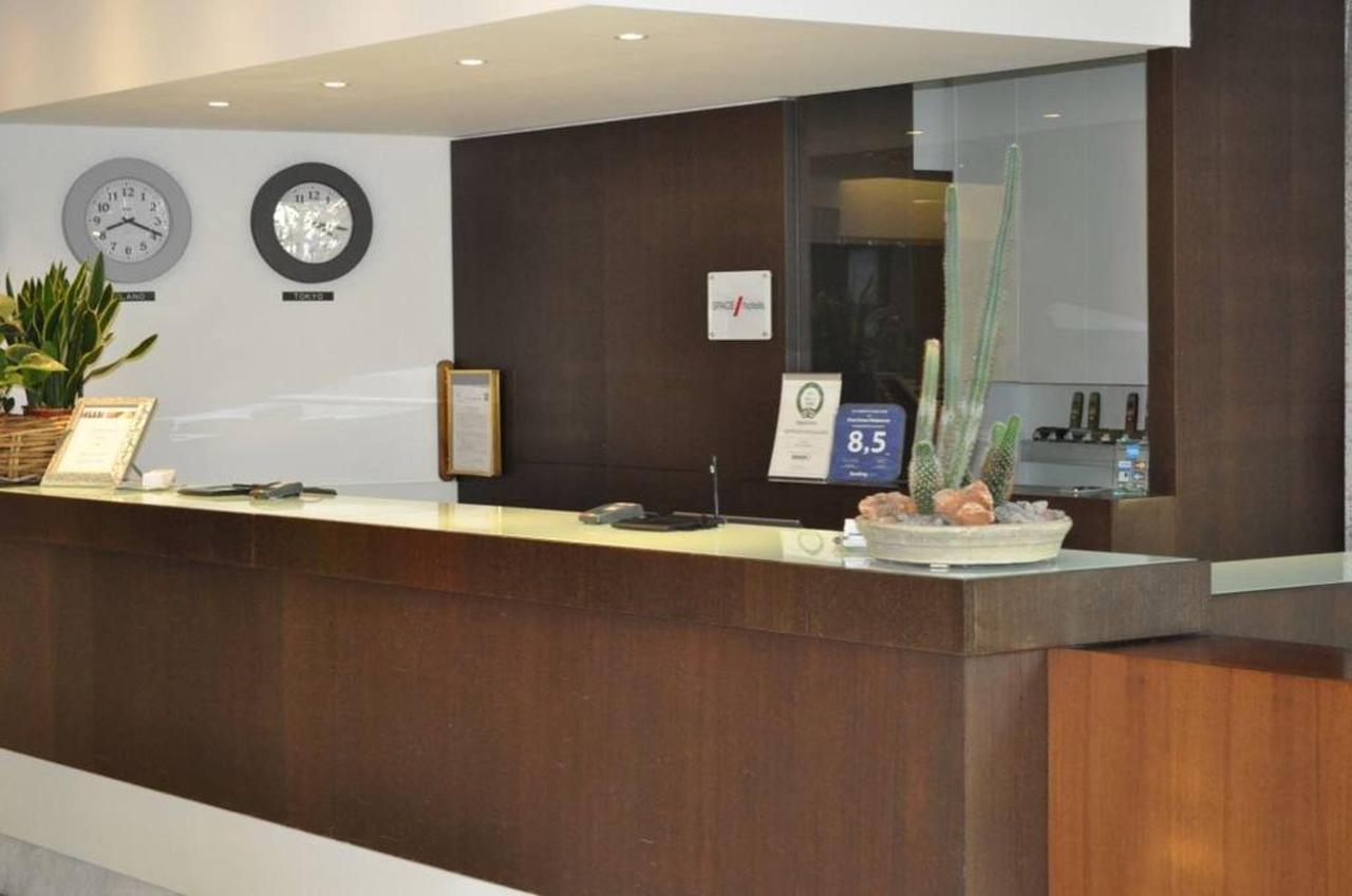 first-hotel-milano-malpensa88-reception.jpg.1024x0.jpg
