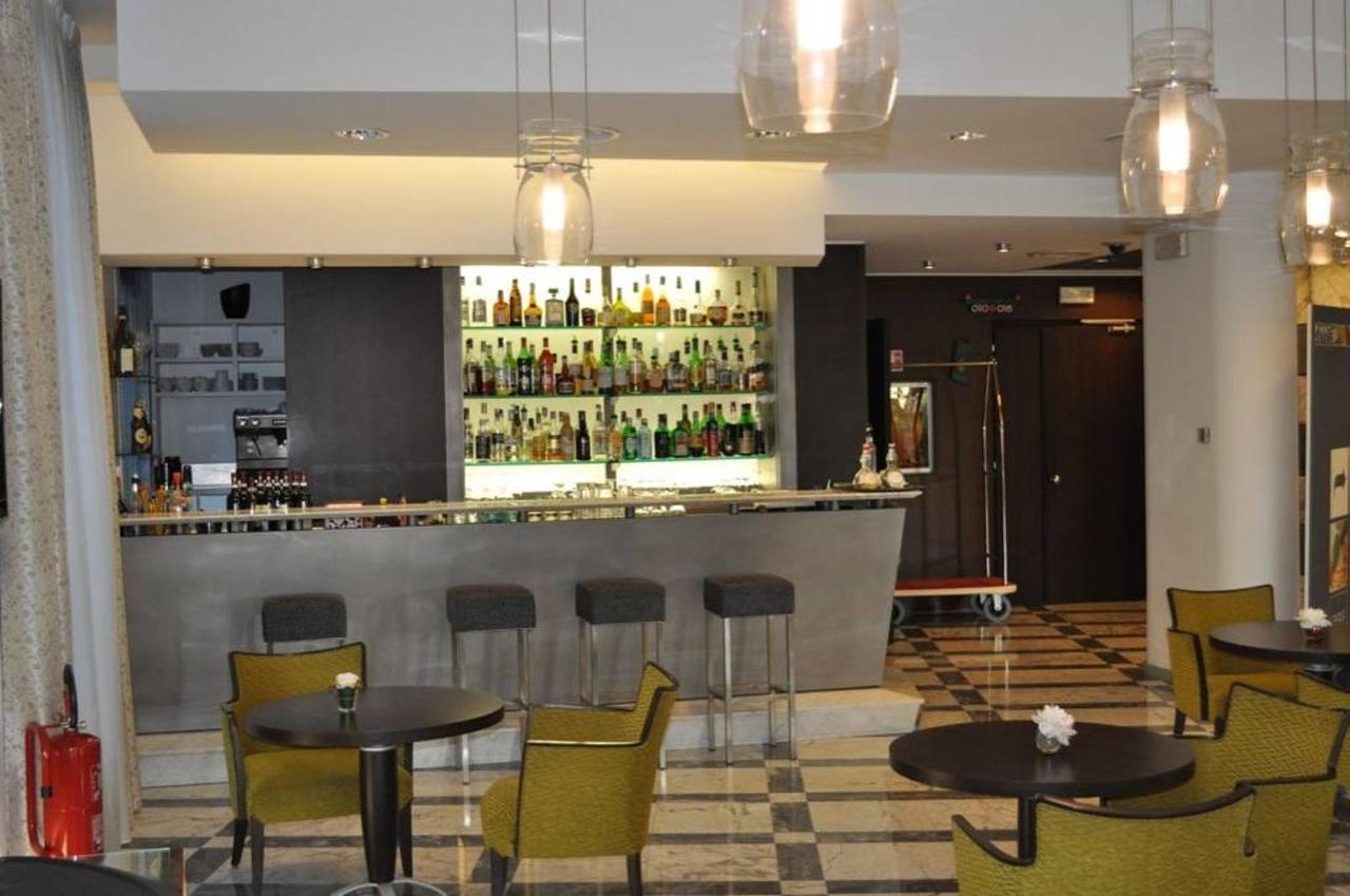 first-hotel-malpensa-lobby-bar-1.jpg.1024x0.jpg