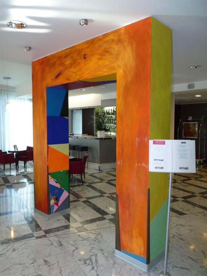 first-hotel-milano-malpensa33-lobby.JPG.1024x0.JPG