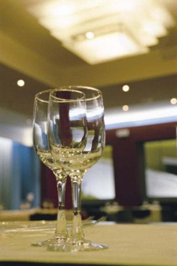 first-hotel-milano-malpensa61-restaurant.jpg.1024x0.jpg
