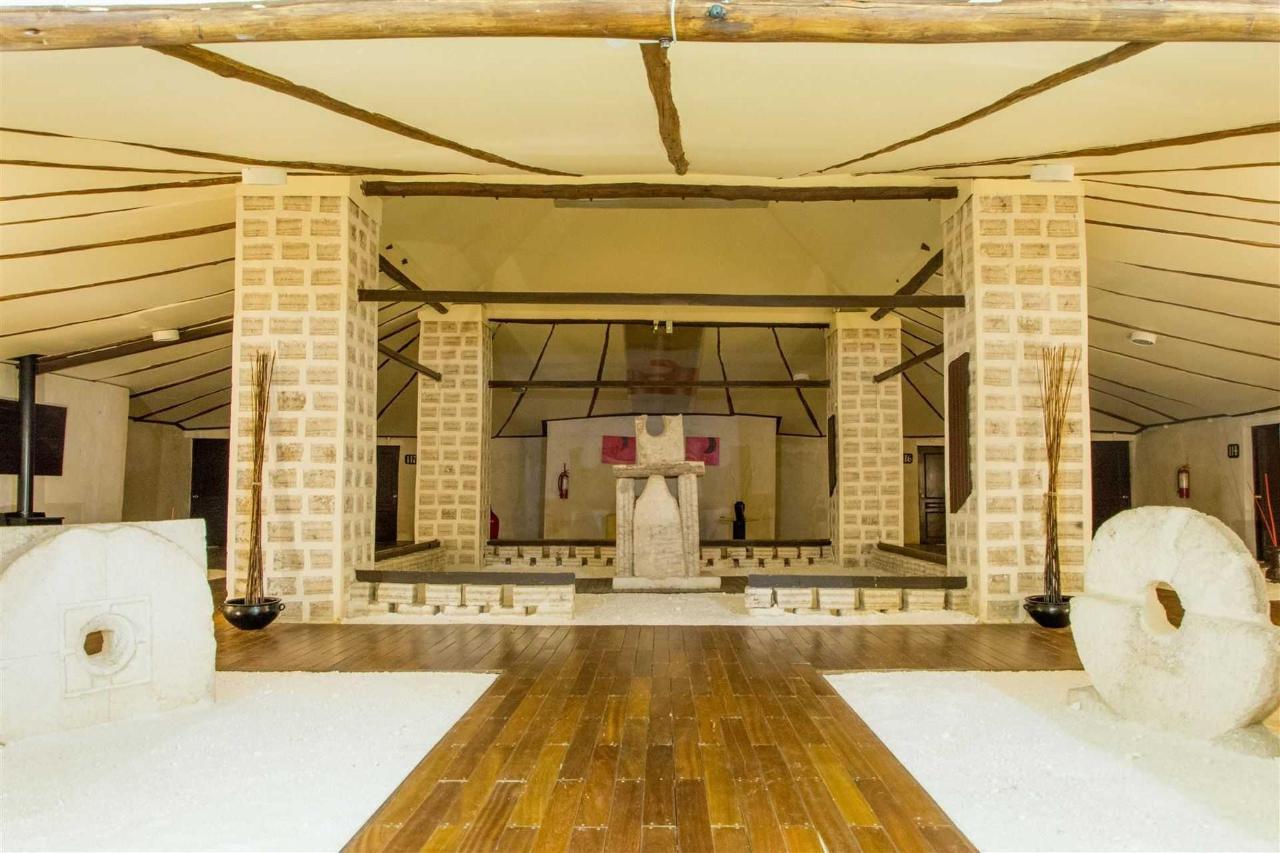 Pasillo acceso habitaciones- Palacio de Sal.jpg- Palacio de Sal.jpg