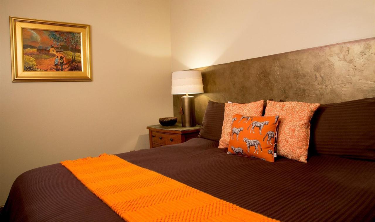 room-q-01.jpg