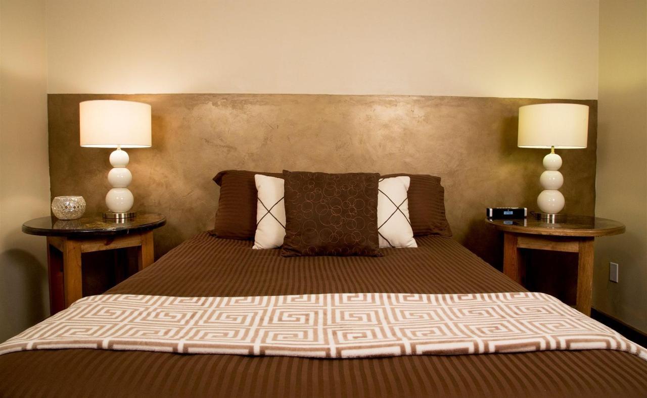 room-r-01.jpg