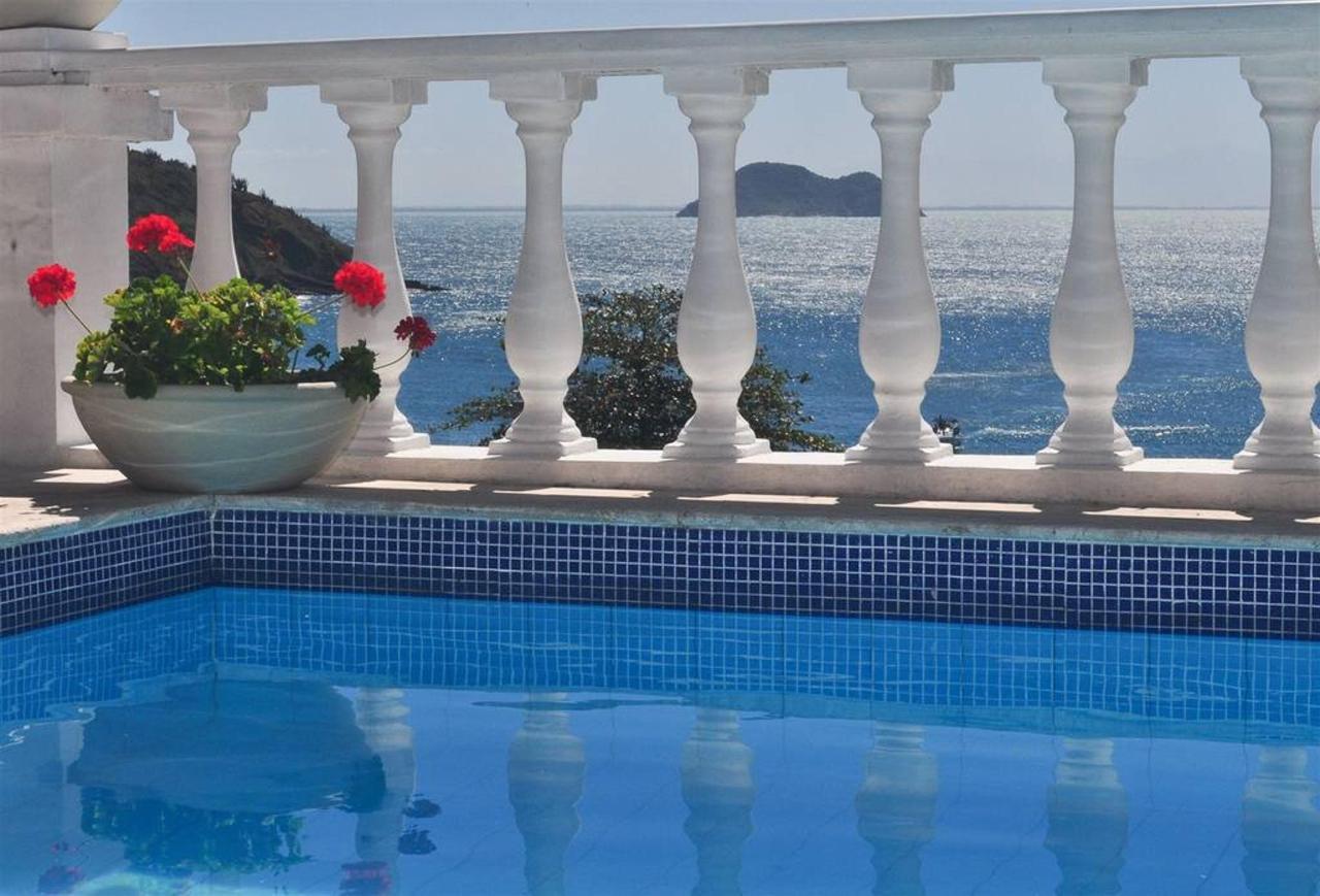 Pool and sea view.JPG