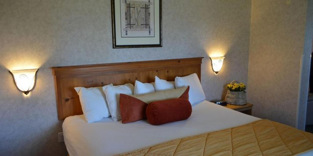 apartment bed.JPG