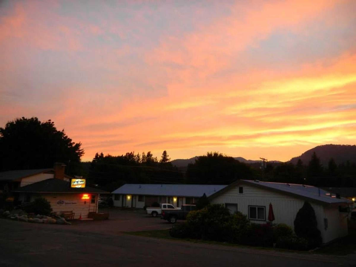 Falls Motel at Sunset in September.jpg