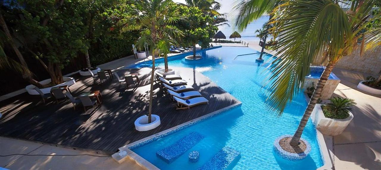 Le Reve Hotel & Spa - Pool and the perspective.jpg