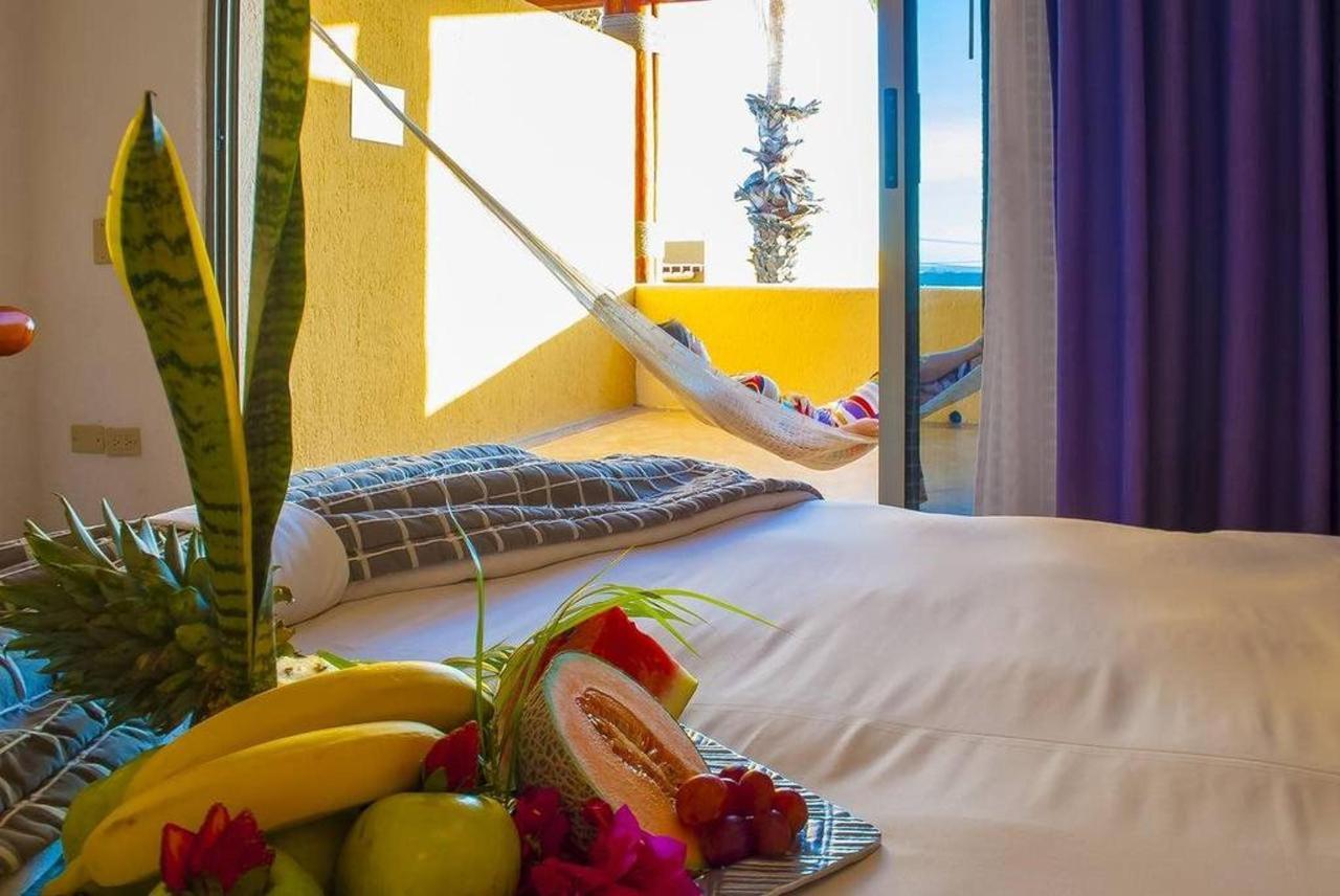 Hotel Los Patios - Habitación con frutas.jpg