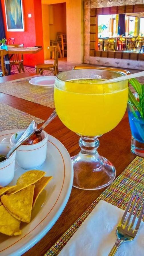 Hotel Los Patios - Jugos.jpg