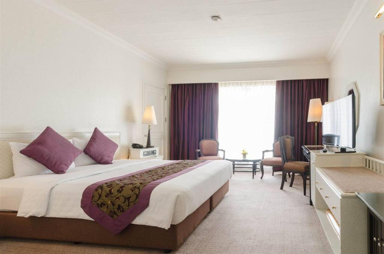Junior Suite Rooms.jpg