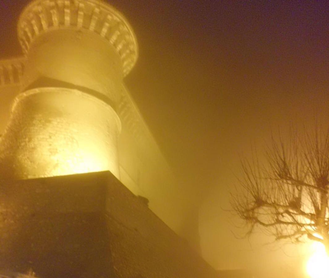 Castello di Alviano.jpg