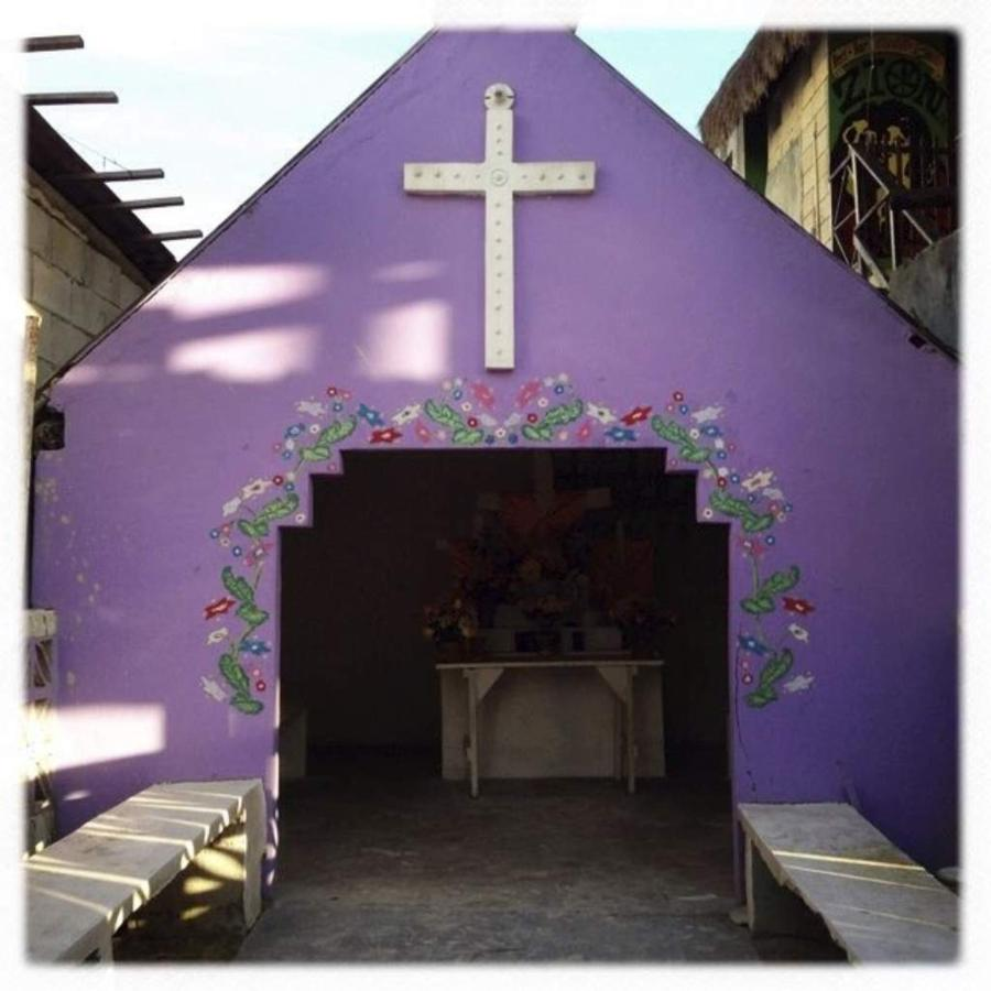 Cardidade de Cobre, Galería, CasaSandra Boutique Hotel, Isla Holbox, Mexico.jpg