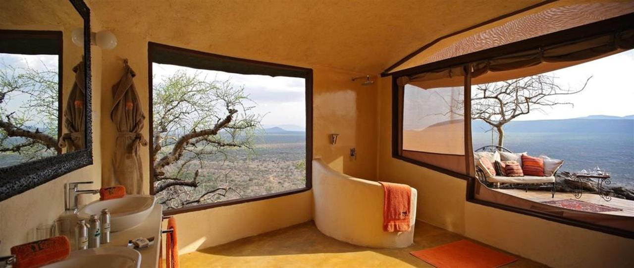 Luxurious and spacious bathrooms with amazing views.jpg
