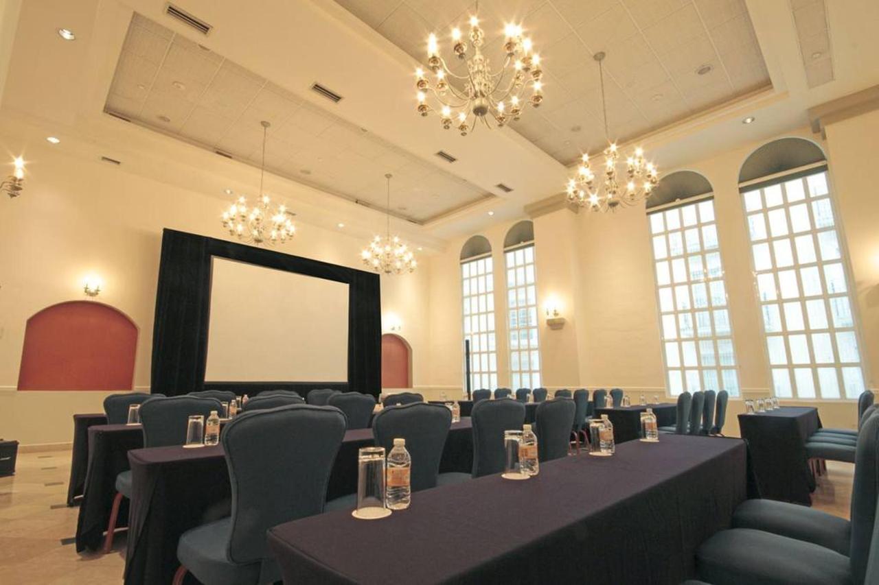 Salón Imperio Escuela, El Hotel, Presidente® InterContinental® Villa Mercedes Mérida, Mexico.jpg