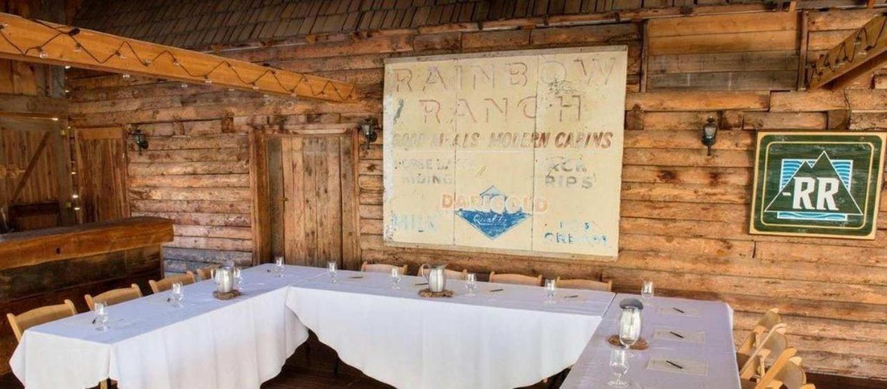 meeting-space-in-the-barn.jpg.1920x0.jpg