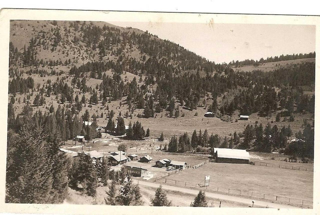 rr-ranch-view-1-fix2.jpg.1920x0.jpg