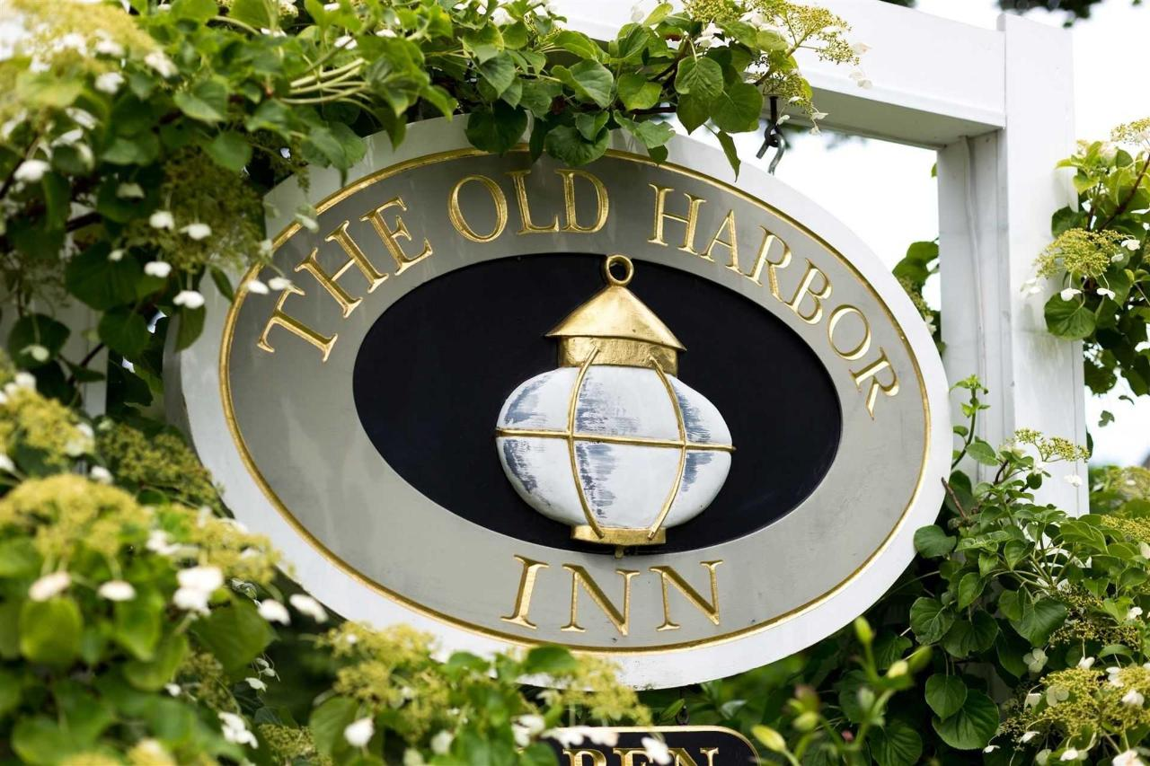 old-harbor-inn-exterior-front-sign-june-2016-2.jpg.1920x0.jpg