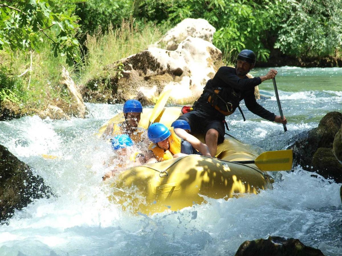 Rafting on Cetina 4