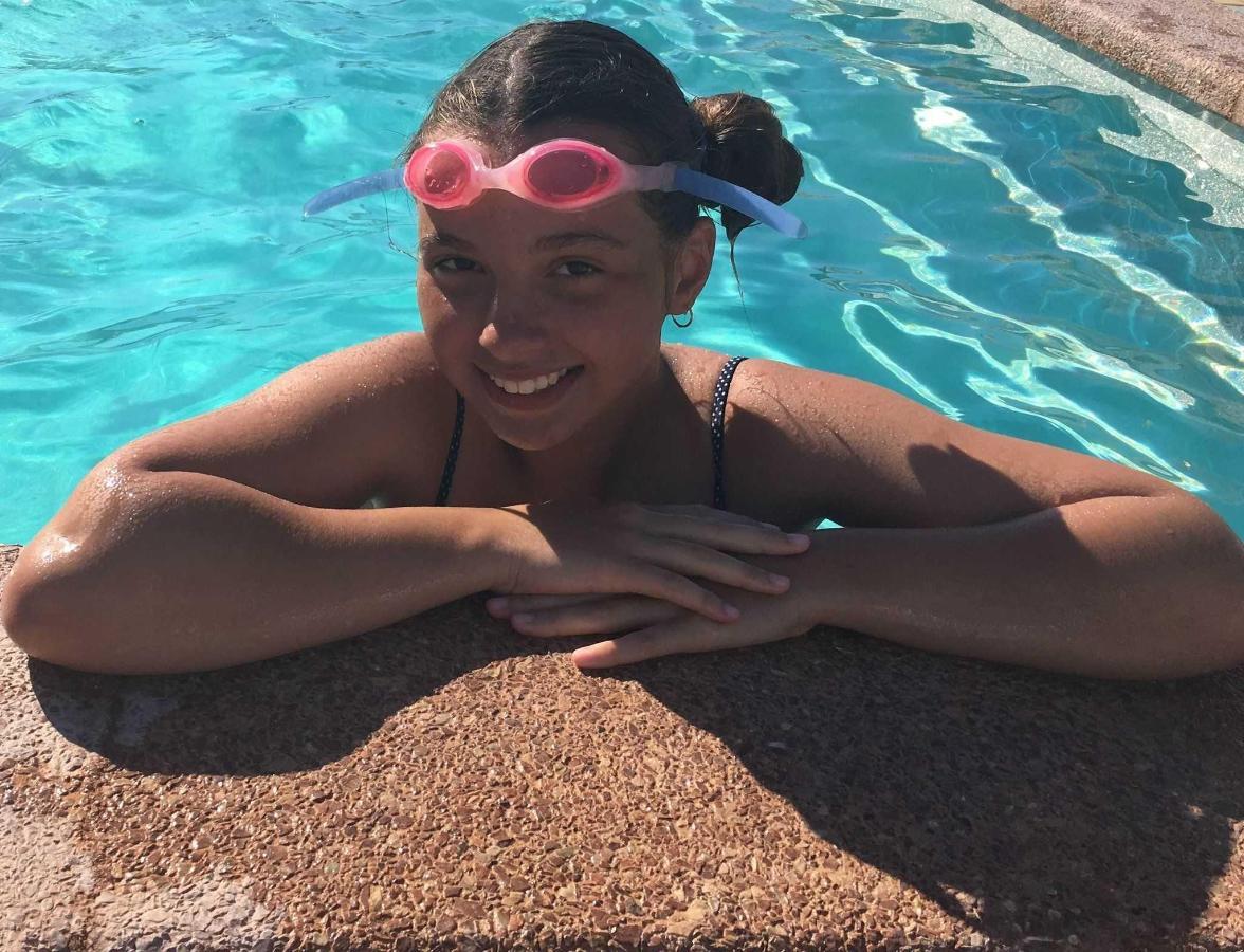 В бассейне (июнь-2017)