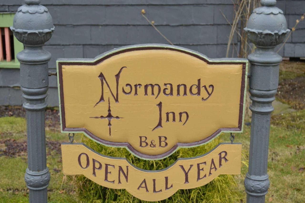 Welcome to Normandy Inn.JPG