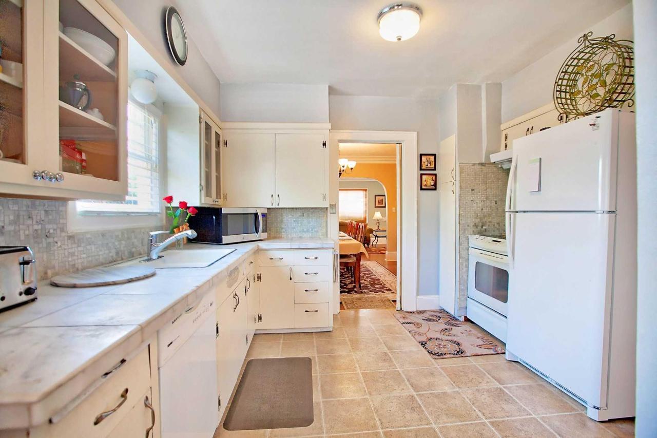 Kitchen With Glass-Top Range.jpg